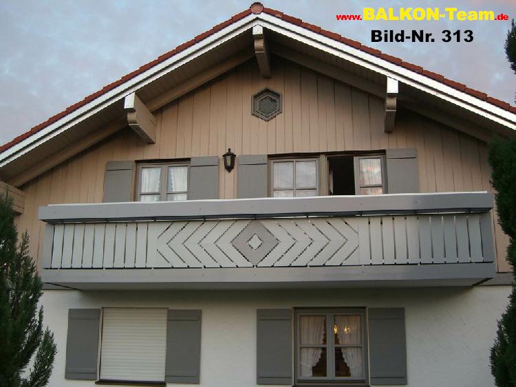 diagonale balkonverkleidung. Black Bedroom Furniture Sets. Home Design Ideas