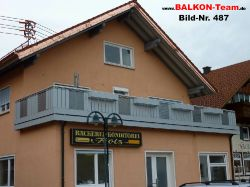BALKON-Team-Balkonverkleidung-Lochblech-487